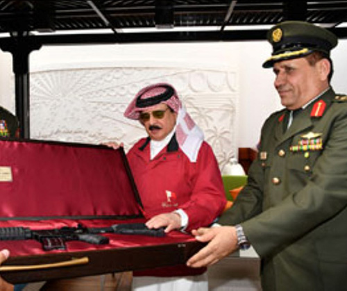 Bahrain's King Receives Jordanian Chief of Joint Staff