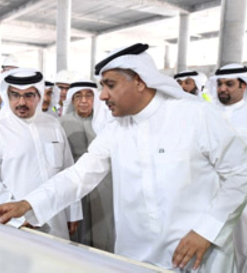 Bahrain Crown Prince Tours Airport's Expansion Project