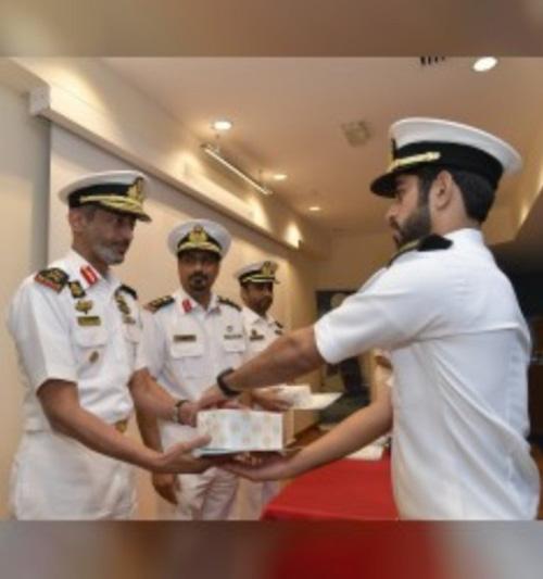 Commander of UAE Navy Attends Graduation Ceremony