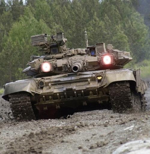 Iraq Starts Receiving Advanced T-90 Battle Tanks