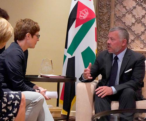 Jordanian King Receives German Federal Minister of Defense