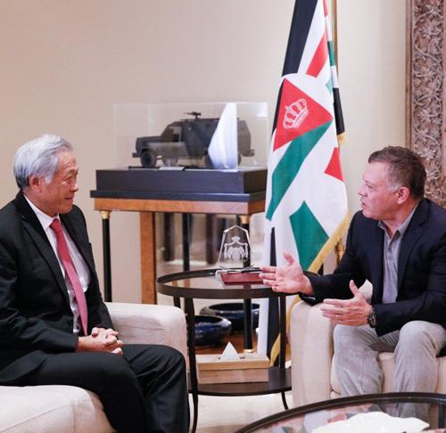 Jordanian King Receives Singapore's Defense Minister