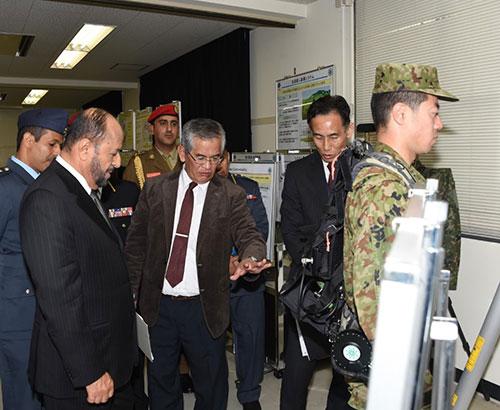 Oman's Defense Minister Tours Japan's Defense Technology Center
