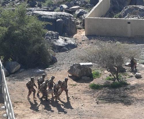 "Omani, British Armies Conduct ""Mountain Storm"" Drill"