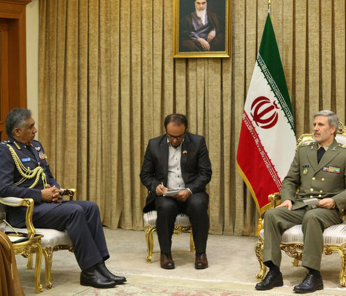 Omani Air Force Commander Meets Iranian Defense Minister