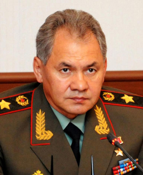 Russian Defense Minister Pays First Time Visit to Qatar