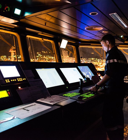 Thales Develops First Shipboard Information Distribution System