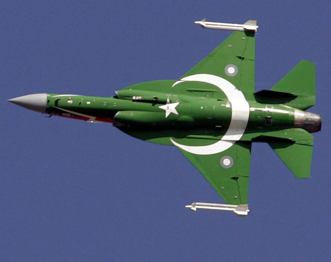 Pakistan's JF-17 Thunder Performs Dazzling Display at Polish Airshow