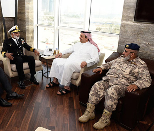Qatar's Defense Minister Receives Pakistan's Naval Chief