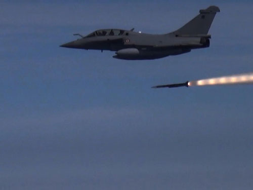 Successful First Guided Firing of Meteor from Rafale