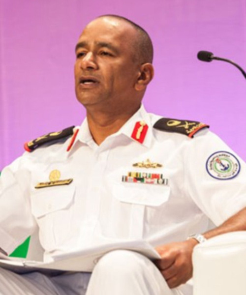 Chief of UAE Naval Forces Attends Graduation Ceremony