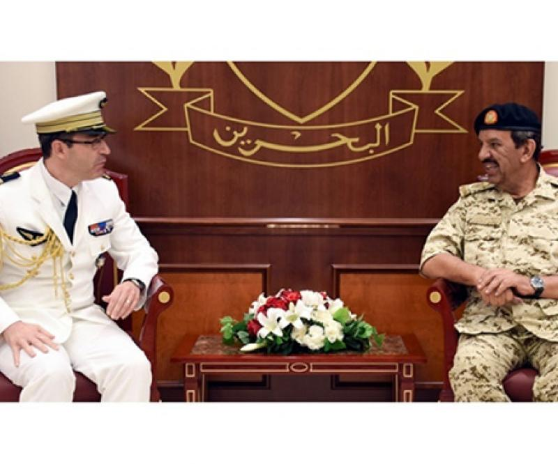 Bahrain Defense Chief Receives US, French Military Attachés
