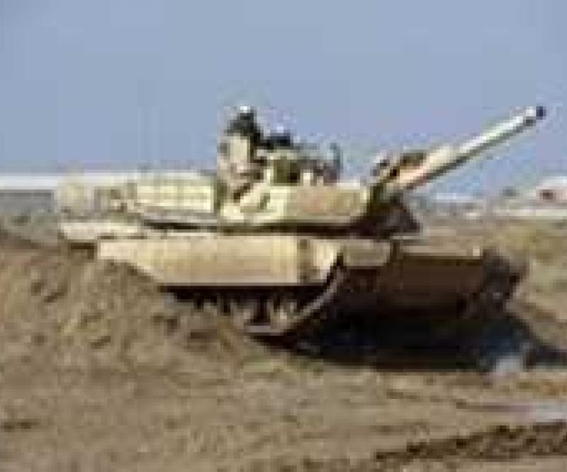 US Trains Iraqi Soldiers on M1A1 Tank
