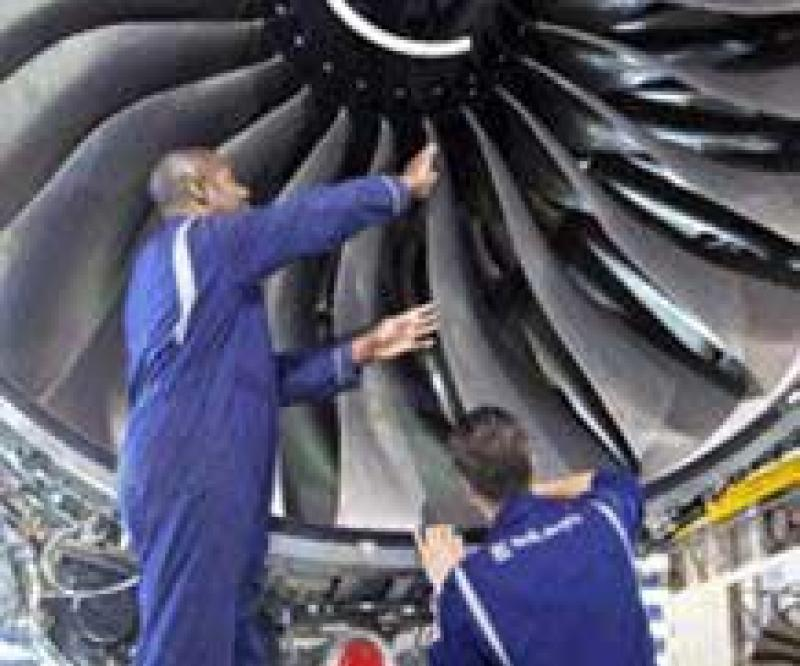 Emirates & Rolls-Royce in $2.2bn Service Contract