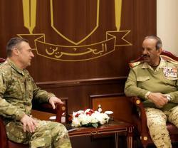 Bahrain's Defense Chief Receives US Air Forces CENTCOM Commander