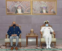 Indian Chief of Naval Staff Visits Sultanate of Oman
