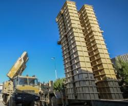 Iran to Develop Newer Versions of Bavar 373 Missile Shield