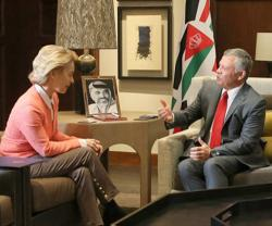 Jordanian King Receives German Defense Minister
