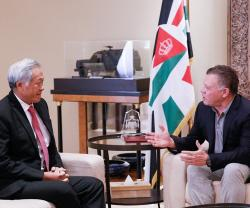 Jordanian King Receives Singapore's Defense Minister