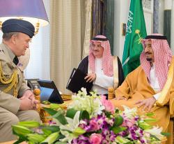 Saudi King Receives Chief of British Defense Staff