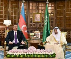 Saudi King Meets Azerbaijan's President, Minister of Defense