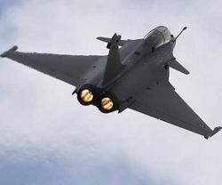 Qatar, France Ink $14 Billion Military, Aviation Deals