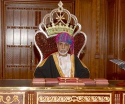 Sultan Qaboos Chairs Oman's National Day Military Parade