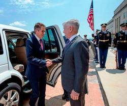 U.S. Defense Secretary Receives British Counterpart