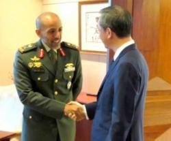 UAE Military Delegation Visits Singapore's Defense Ministry