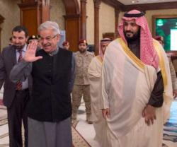 Saudi, Pakistani Defense Ministers Discuss Bilateral Ties