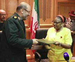 Iranian, South African Defense Ministers Sign MoU