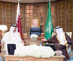 Saudi King, Qatar's Emir Hold Official Talks