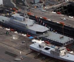 """Iran Constructing New """"Shiraz"""" Warship"""