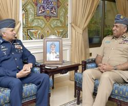 Pakistan's Air Force Chief Visits Oman