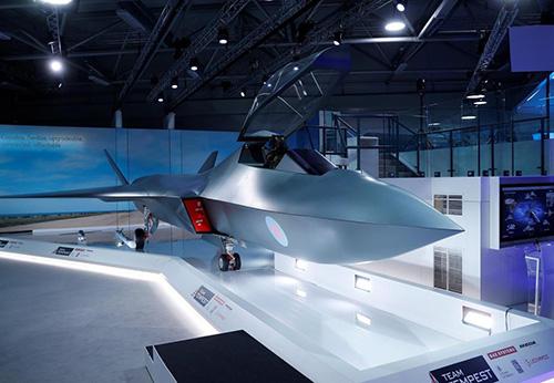 Britain Unveils Model of Tempest Fighter Jet