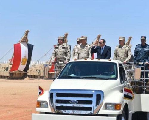 Egyptian President Inspects Mohamed Naguib Military Base