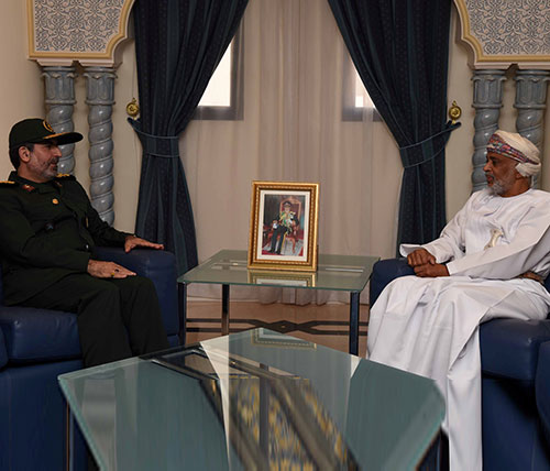 Iran, Oman Sign MoU to Boost Military Cooperation