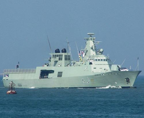 "Oman, Pakistan Start ""Good Fruit"" Naval Drill"