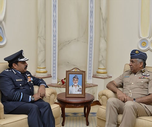 Oman's Air Force Commander Receives Indian Chief of Air Staff