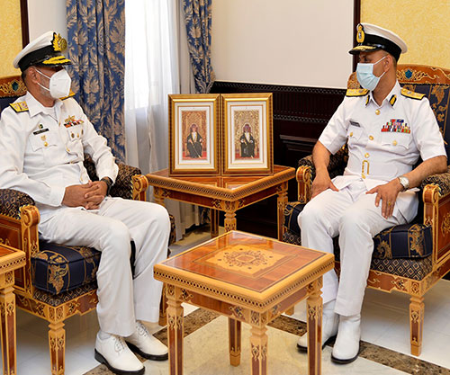 Oman's Navy Chief Receives Combined Task Force Commander