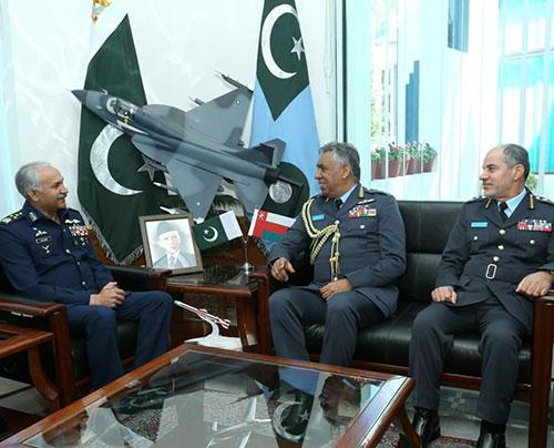 Oman Discusses Military Cooperation With Pakistan, UK, Korea