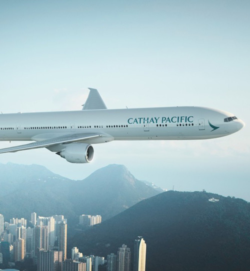 Qatar Airways Buys 9.61% Stake in Cathay Pacific