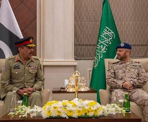 Saudi Chief of Staff Meets Chairman of Pakistan's Chiefs of Staff Committee