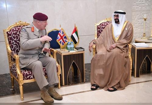 UAE Defense Minister Receives British Defense Senior Advisor