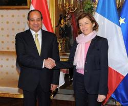 French Defense Minister Concludes Visit to Egypt