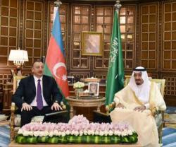 Saudi King Meets Azerbaijan's President, Minister of Defense